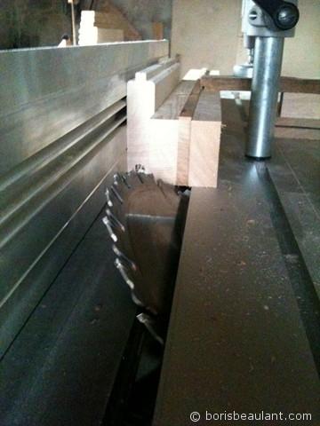 Petite étagère : Découpe des pieds